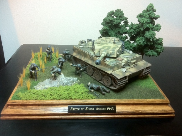 Tiger Tank Mid-Production and Troops