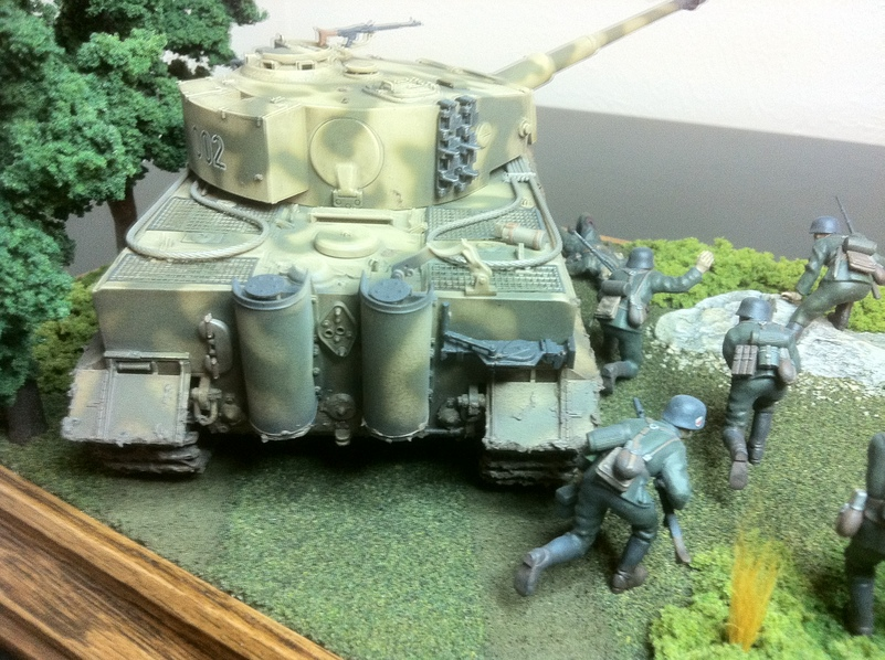 Military Scale Model Gallery: Tiger Tank Mid-Production and