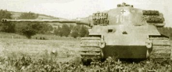 King Tiger with the Henschel production turret. Note the length of the 88mm barrel